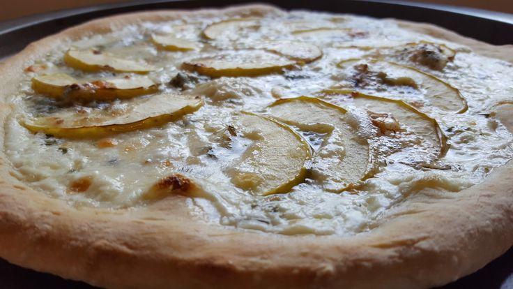 Trieszt pizza (Pizza Trieste) - Kemény Tojás receptek képekkel