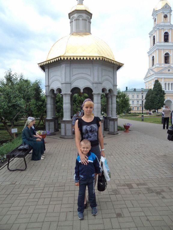 Серафи́мо-Диве́евский монастырь
