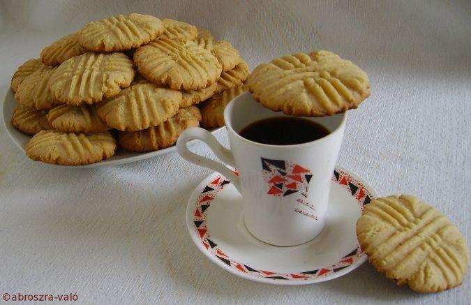Kipróbált és bevált receptek: Mogyoróvajas keksz