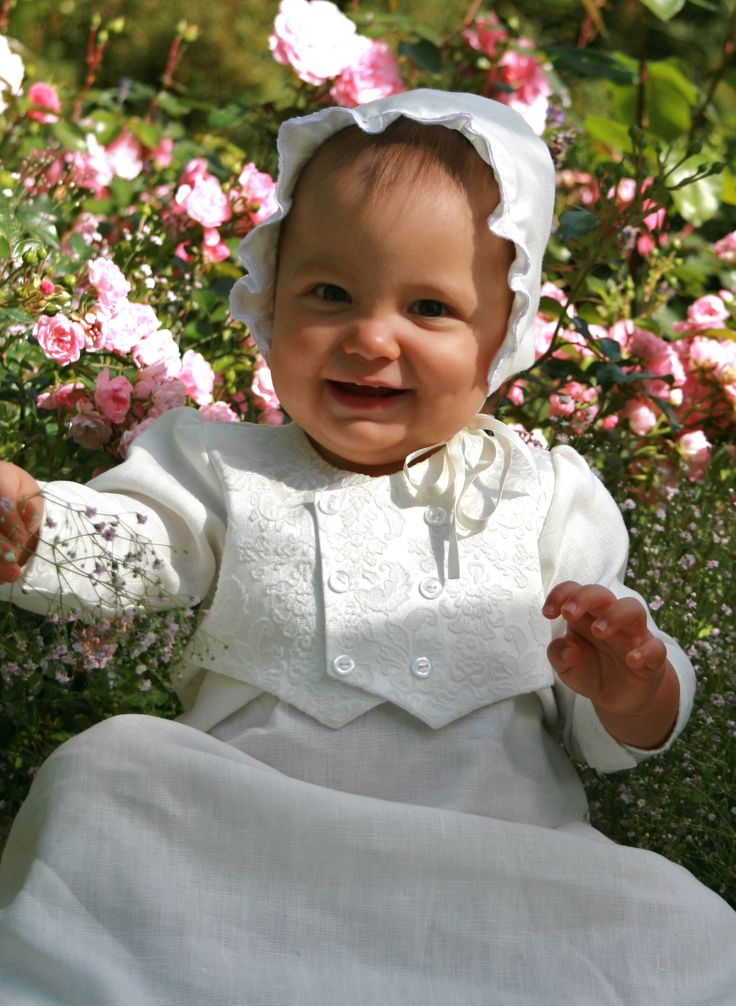 Dopklänning med väst till pojkar, christening gowns for boys, gutte dåpskjole, https://www.graceofsweden.com/en/christening-gowns/christening-gowns-for-boys