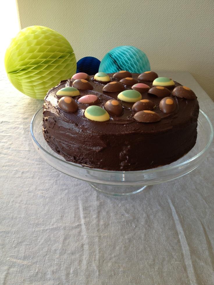 Chocolate Easter cake (chocolade paasei taart)