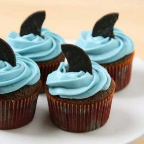 Shark Fin Cupcakes... Perfect for shark week
