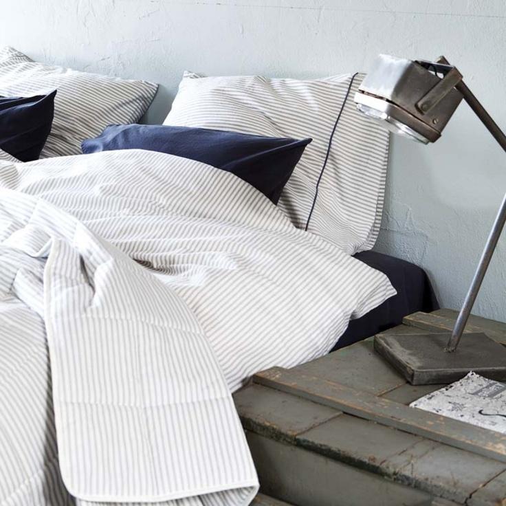 VT Khan Wit / Grijze Strepen 200x220+40 cm + 60x70 cm (2x) #duvet #duvetcover #bedding #bedroom #bed #dekbedovertrek #dekbedovertrekset #overtrek #lakens #sheets #bedsheets > www.marington.nl