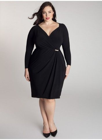 This long sleeved black dress is perfect for nights out in colder weather.  Some day I am going to splash out on a dress from Igigi - maybe a xmas gift to myself?