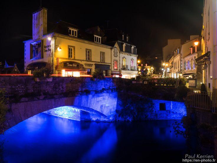 fin de journée - lumières de Noël  - à Pont-Aven  © Paul Kerrien 2017 https://en-photo.fr Finistère Bretagne