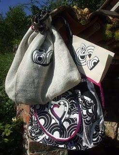 """""""Mina"""" - Borsa di stoffa con sacchetto portaborsa e biglietto d'auguri in carta riso e stoffa"""