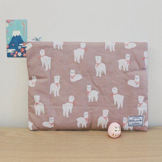 Laptop Case / Laptop Pouch / MacBook Case 13 – 14 inches / Llama / Animal / Japan/Korea Fabric / Gift / 815am