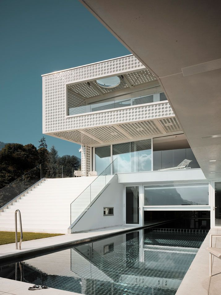 The O-House by Philippe Stuebi Architects