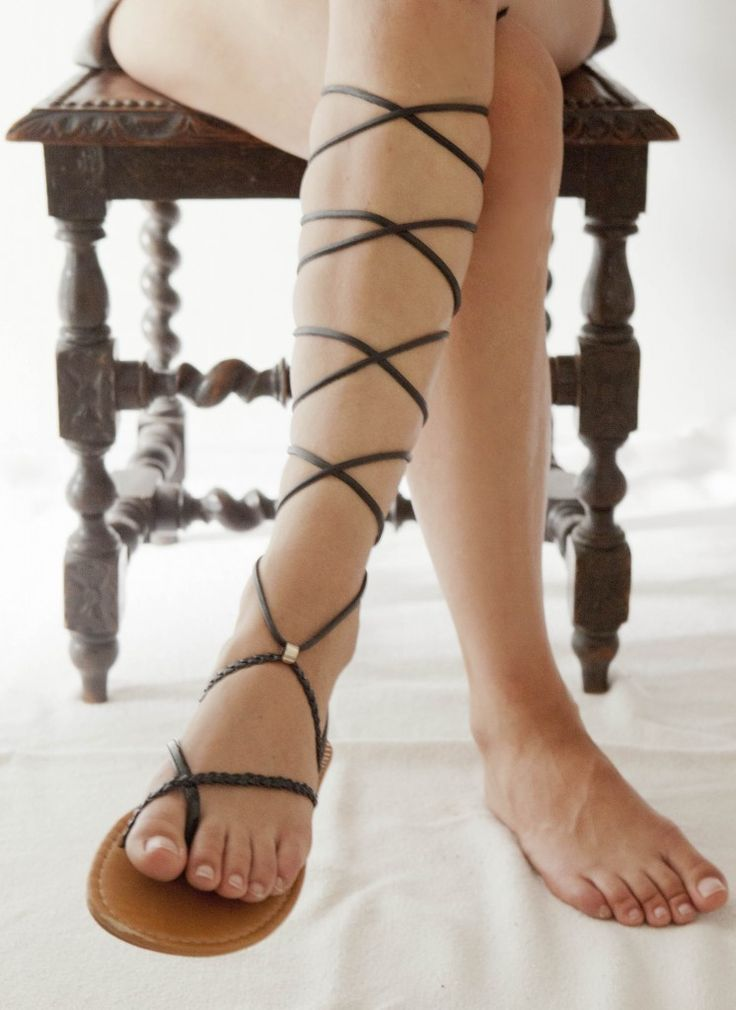 This week i wore my own made gladiator shoes. Here is the do it yourself tutorial. What do you need: Simple sandals in the colour you like Leather laces in the colour you like Scissors Tape measure Take the leather laces and cut two pieces of +/- 3 m -3.5 m The next stap is ...