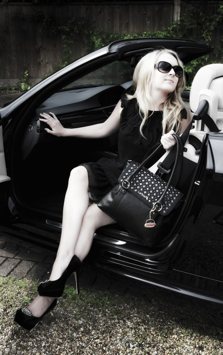 GET THE LOOK – Pair our New York Tote in black with our Harper (studded) TrendStyler™ http://www.larissa-k.com/base-bags/new-york-tote-black-detail AND http://www.larissa-k.com/trendstylers/harper-trendstyler-detail