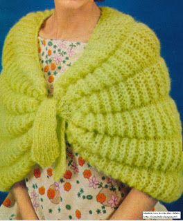 Des châles: Liseuse tricotée aux aiguilles