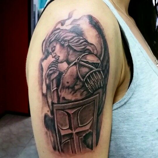 coyote tattoo Alcobendas España #tattoo #tatuajes #coyotetattoo #tattoocolor #tattoofamosos #tattoofamous  www.coyotetattoo.com