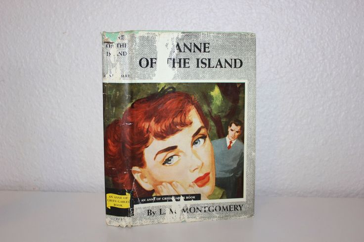 Pair of Vintage Books, L. M. Montgomery, Anne of Ingleside, Anne of the Island, Anne of Green Gables Books, Green Books, Children's Books by CarisHome on Etsy https://www.etsy.com/listing/227452136/pair-of-vintage-books-l-m-montgomery