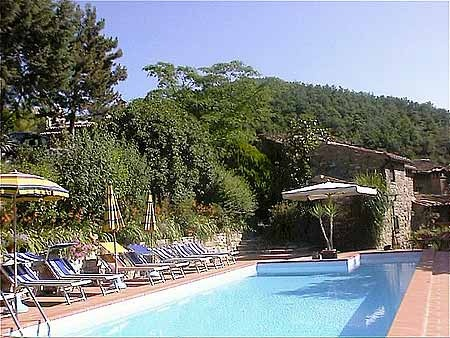 Would you like to take a dive into the pool, sunbathe, play table tennis, go for walks or simply read, day dream and relax undisturbed?  Then come and see us.
