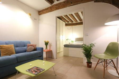 Bekijk deze fantastische advertentie op Airbnb: New! Paris Central - 4 pax - 40 sqm - Appartementen te Huur in Parijs