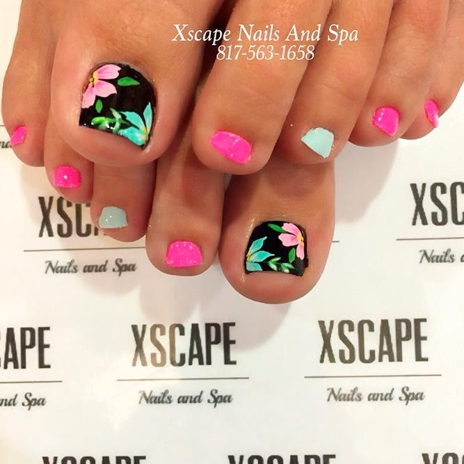 Cute Flower Toe Nail Designs picture 2
