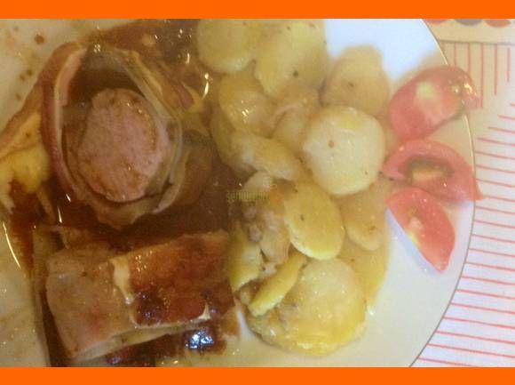 Tajomná panenka so zemiakmi výborne jedlo pre každý žalúdok 🙂 Ingrediencie 2 ks panenka 2 ks baklažán slanina 150 g šunky 150 g syra med soľ čierne korenie víno 2 PL slivkový džem zemiaky alebo ryža podla chuti Inštrukcie Nakrájame baklažán pozdĺžne na tenké plátky. Osolíme, necháme postáť. Potom ich osušíme a na grilovacej panvici …