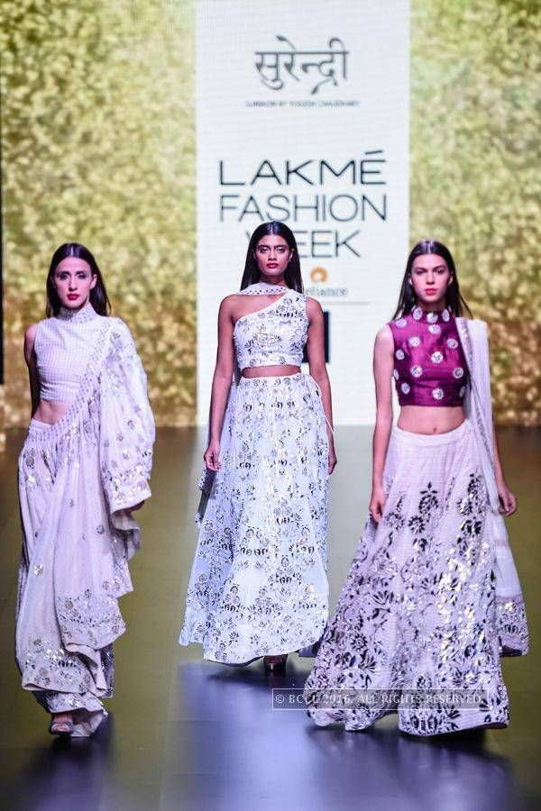 LFW '16 : Models showcase a creation by Surendri on Day 1 of the Lakme Fashion Week 2016 held in Mumbai. #LakmeFashionWeek #LakmeFashionWeek2016 #LakmeFW16