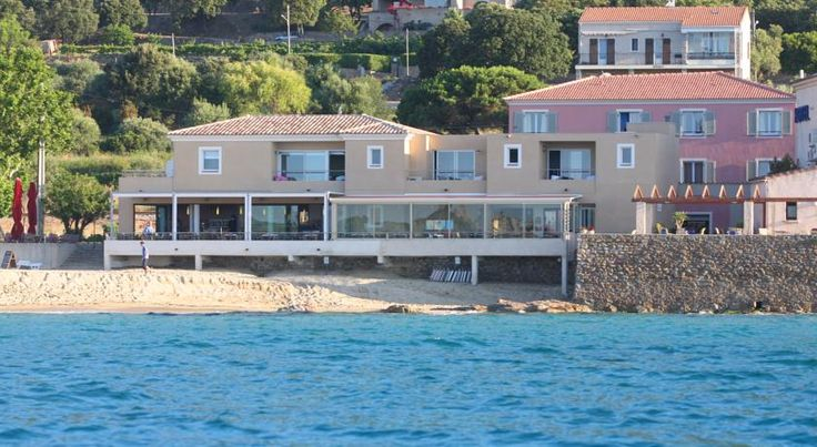 Hôtel Serenada Algajola The Hotel Serenada offers direct access to Algajola beach in Corsica, and is located halfway between Calvi and Ile-Rousse. It offers soundproofed accommodation with a flat-screen TV and free WiFi internet access.