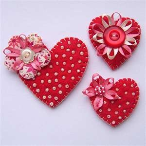 Cute valentine hearts for hair clips or pins.  |  Wendyo55 on Indulgy