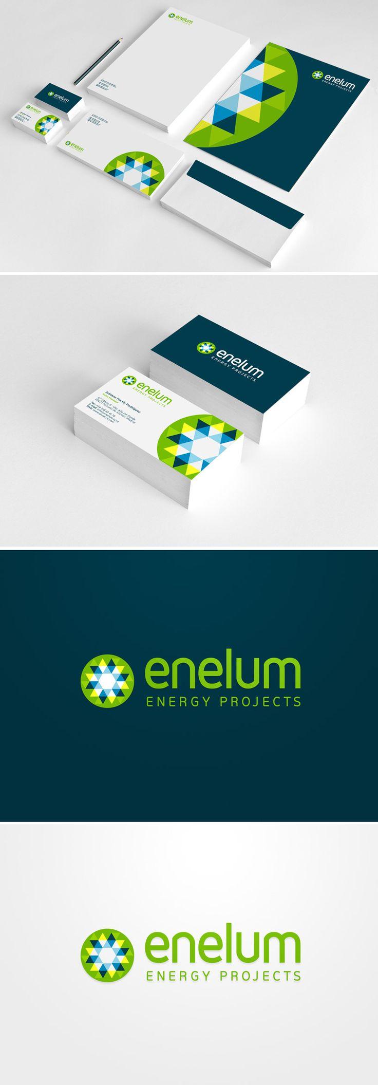 Diseño de logotipo y papelería para Enelum, una empresa madrileña especializada en el diseño, ejecución y gestión de proyectos de energías renovables (especialmente solar y eólica). El logo definitivo se construye a partir de una retícula triangular que nos permite superponer la silueta de las aspas de un molino y un sol. Para ello jugamos con diferentes tonalidades de azul, verde y amarillo que a través de la transparencia crean un efecto óptico de movimiento.