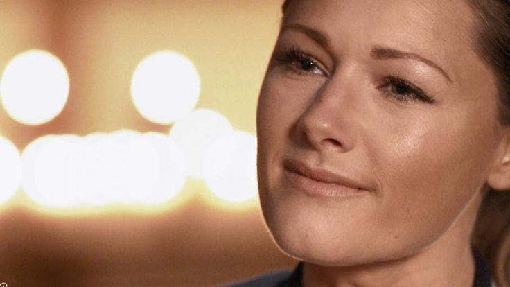 """Helene Fischer ganz privat? In der TV-Show """"Meylensteine"""" gab die Sängerin zumindest tiefere Einblicke als sonst. Sogar über ihre Beziehung sprach sie und ga...   Source: http://ift.tt/2qEJrjh  Subscribe: http://ift.tt/2sdLXcL Fischer bei 'Meylensteine': Atemlos sprachlos und voller Liebe"""