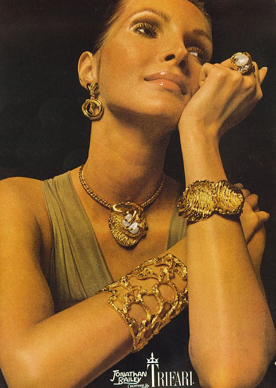 Jonathan Bailey creations for Trifari: Trifari Jewelry, Jewelry Ads, Vintage Jewellery, Vintage Trifari, Costumes Jewelry, Vintage Ads, Vintage Costumes, Jewellery Adverti, Vintage Jewelry