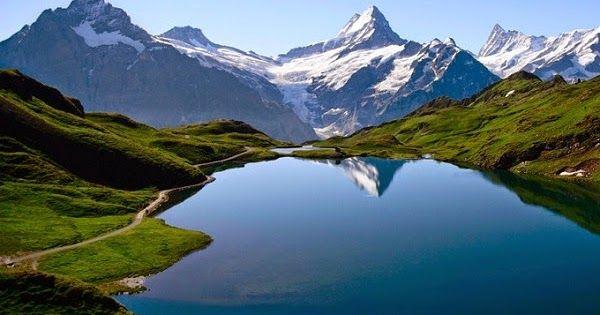 Gambar Pemandangan Gunung Indah Gambar Pemandangan Indah Alam Di Dunia Arjoena Keindahan Gunung Bromo Dan Wisata Indah Di Sekit Di 2020 Pemandangan Gambar Danau Toba