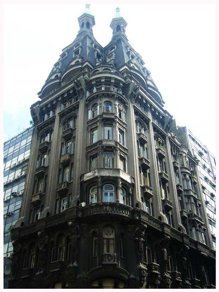 Edificio de la Confitería El Viejo Molino, frente al Congreso de la Nación. Buenos Aires