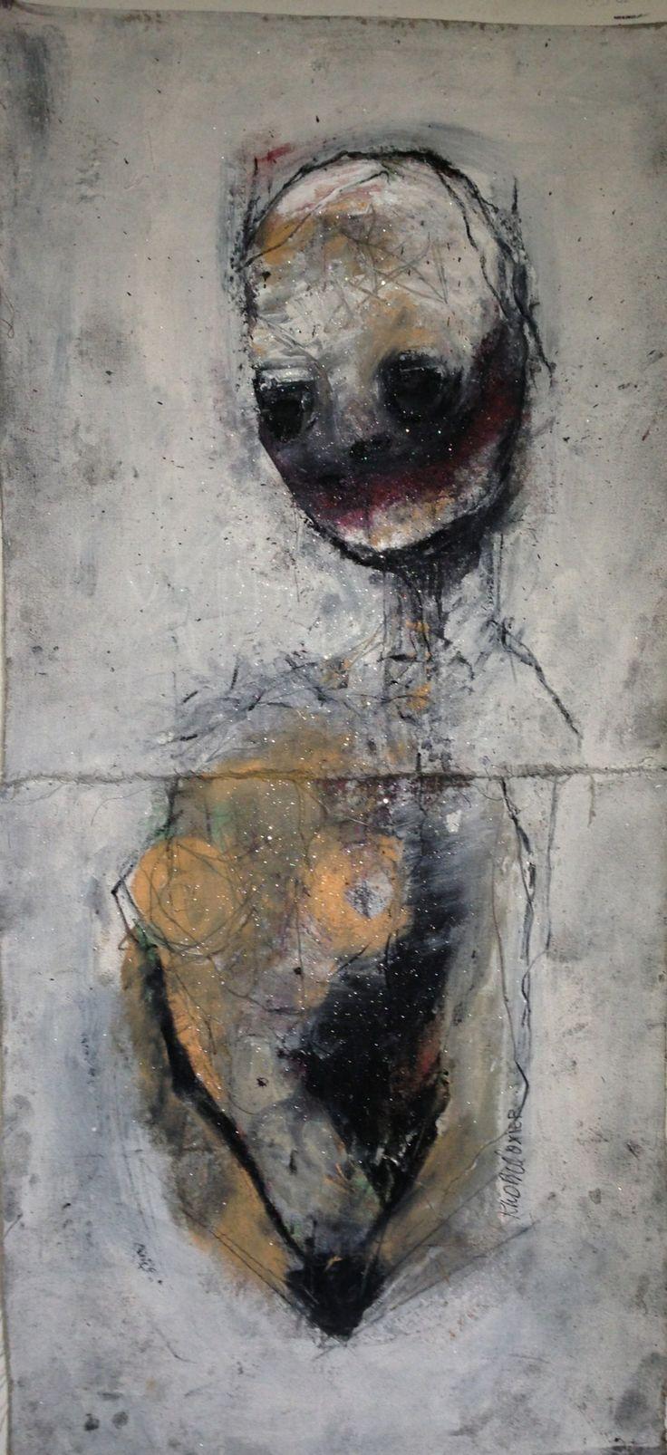 Khara Oxier Closet Posture 41 x 21