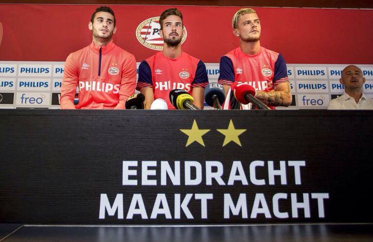 PSV presenteerde maandag 20 juli 2015 de  nieuwe spelers. Gáston Pereiro (l), Davy Pröpper (m) en Maxime Lestienne.