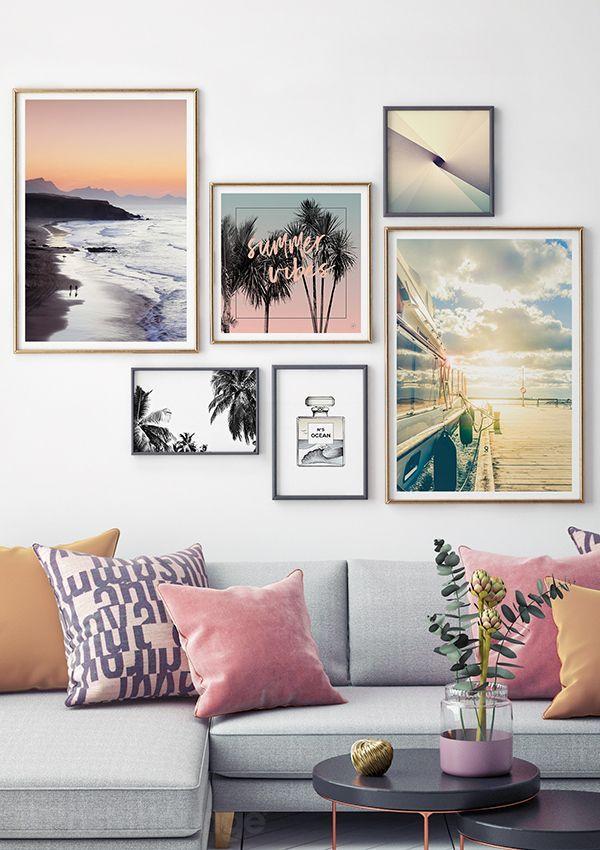 Bilderwand im skandinavischen Stil. Inspiration fürs Wohnzimmer. #wandbilder #poster #bilderwand #wallart #summer