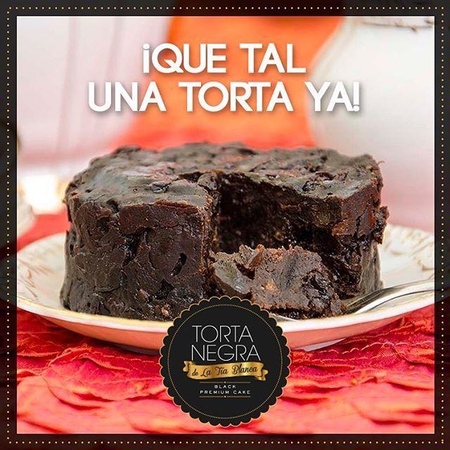 #TortaNegra, y un vaso de leche, o un café, o un vino, o un whisky… para pasar las tardes en familia o con las amigas en casa, o sola!  #BizcochoDeNovia #BizcochoNegro #MadeWithLove #WeddingCake #Bizcocho #Yummy #InstaFood #Instagood #Gift #WeddingPlanner #Biscuit #Sweet #Dulce #Food #PicOfTheDay #TortaNegraDeLaTíaBlanca #Regalos #Tortas #Dulces #Manjares #TuBoda #ZonaELlanogrande #BodasAlAireLibre