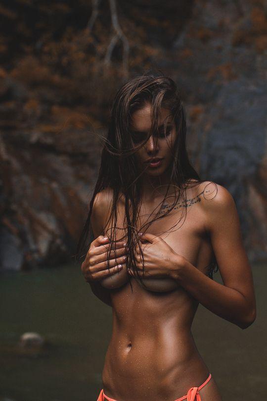 BODY | SOUL | ART | IMPRESSION | WOMEN | SEXY | SKIN | TOPLESS