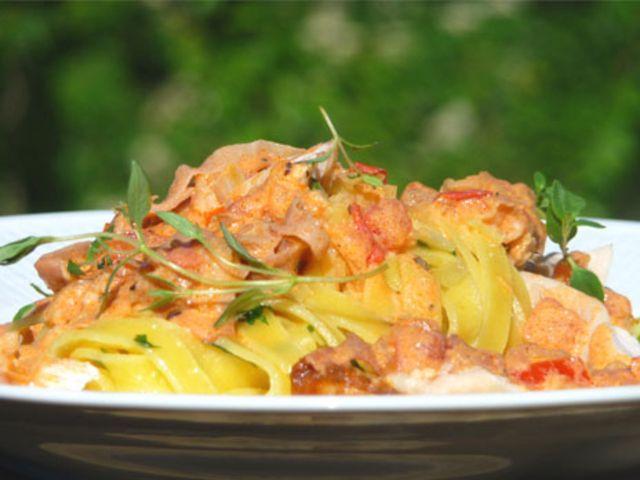Måndagspasta med tomat, parmaskinka och kyckling (kock Kocklandslaget)