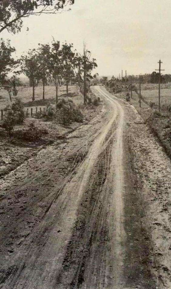 Greystanes Rd,Prospect in western Sydney in 1934. •State Library of NSW•