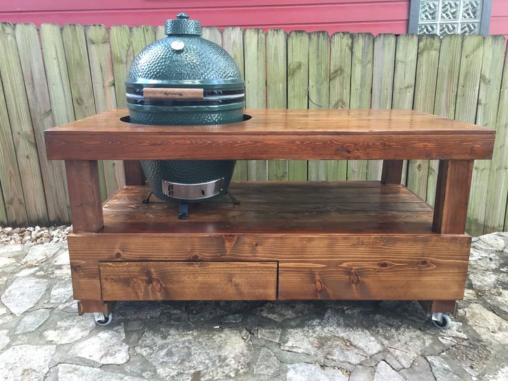 Big Green Egg Table with Drawer in Cedar