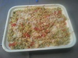 Macaroni-ovenschotel Kip mozzarella tomaat, maar dan zonder pakje van Honig. Deze is van Simone.