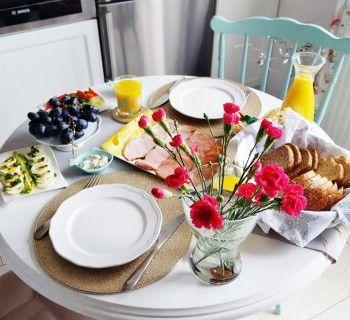 Breakfast, table, flowers,śniadanie, stół, dekoracje, kwiaty na stole