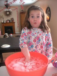 preschool science - how fat keeps animals warm - hand in ice water, then hand covered in shortening placed in ice water