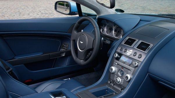 aston martin, v8, vantage, 2008, синий, салон, интерьер, руль, спидометр