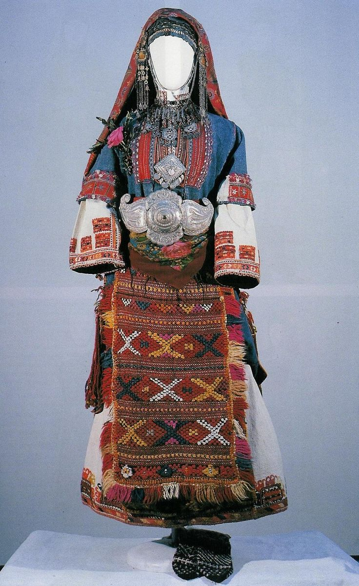 Macedonian maiden's costume for the 'lazarouvane' ritual, from the village of…