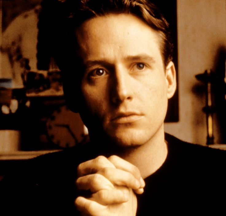Linus Roache, 1994 | Essential Gay Themed Films To Watch, Priest http://gay-themed-films.com/watch-priest/