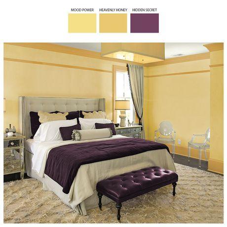 Żółcienie splecione z bursztynem wprowadzą do wnętrza ciepło. Dla urozmaicenia aranżacji zdecyduj się na detale w kolorze śliwki. Taka kompozycja znakomicie prezentuje się w przestronnych sypialniach.