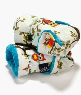Hand muffs for puschair birds with turquoise gloves