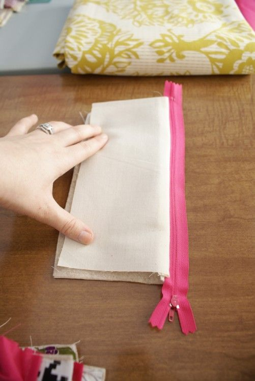 How to sew a zippered pouch tutorial. Think make-up bag or pencil case!