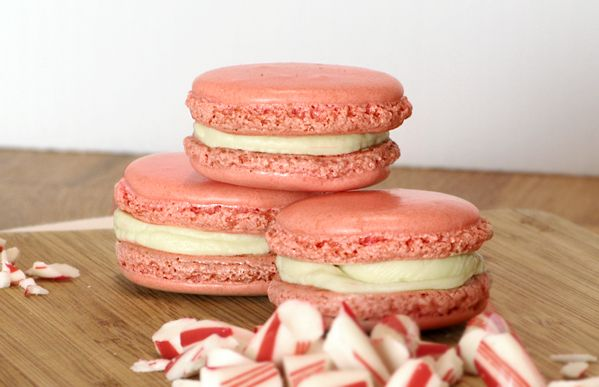 Peppermint & white chocolate macaroons.
