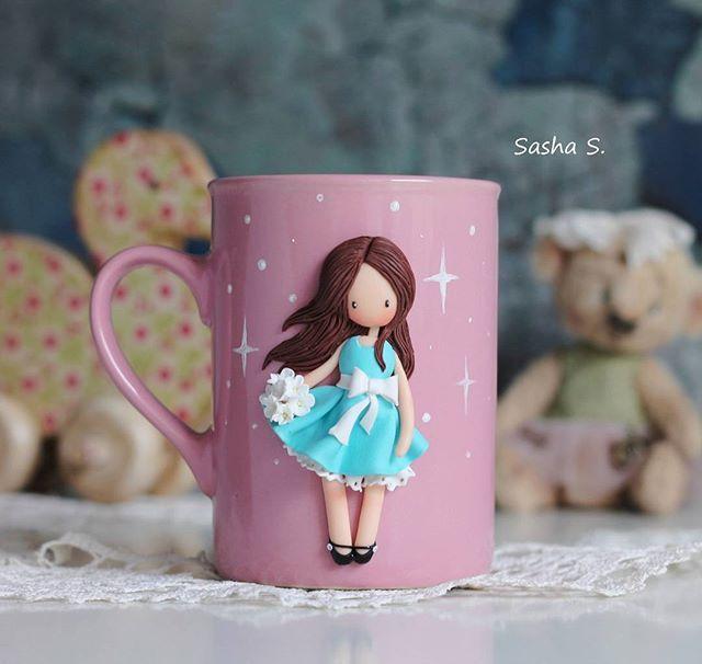 Похоже, в душе у меня весна) когда попросили платье на мой вкус, не задумываясь схватила бирюзовый с белым... Чувствуете весенний ветерок? Когда есть такая кружка, можно жить мечтами о весне всю зиму #пластика #кружканазаказ #кружка #девочка #хобби #хэндмэйд #своимируками #творчество #sweet_craft #polymerclay #cup #girl #cute #art #handmade #hobby #Ижевск #полимернаяглина #подарок #gift #сделанослюбовью #декоркружки #instamom #instamoment #инстамама #волшебство #magic #fimo #фимо #Ижевск