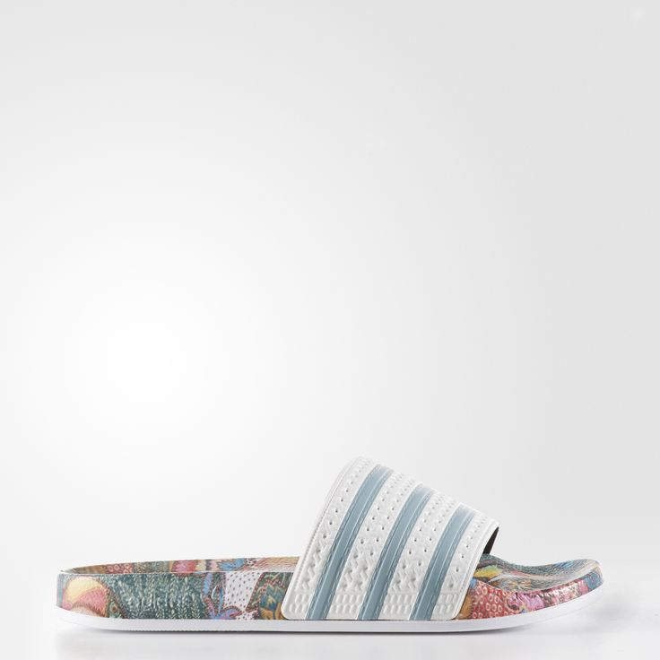 The adilette has been a poolside and locker room must-have since the '70s. Made in collaboration with the Brazilian label The FARM Company, these women's slides build on the effortless style of the original with a vibrant jungle-inspired print.