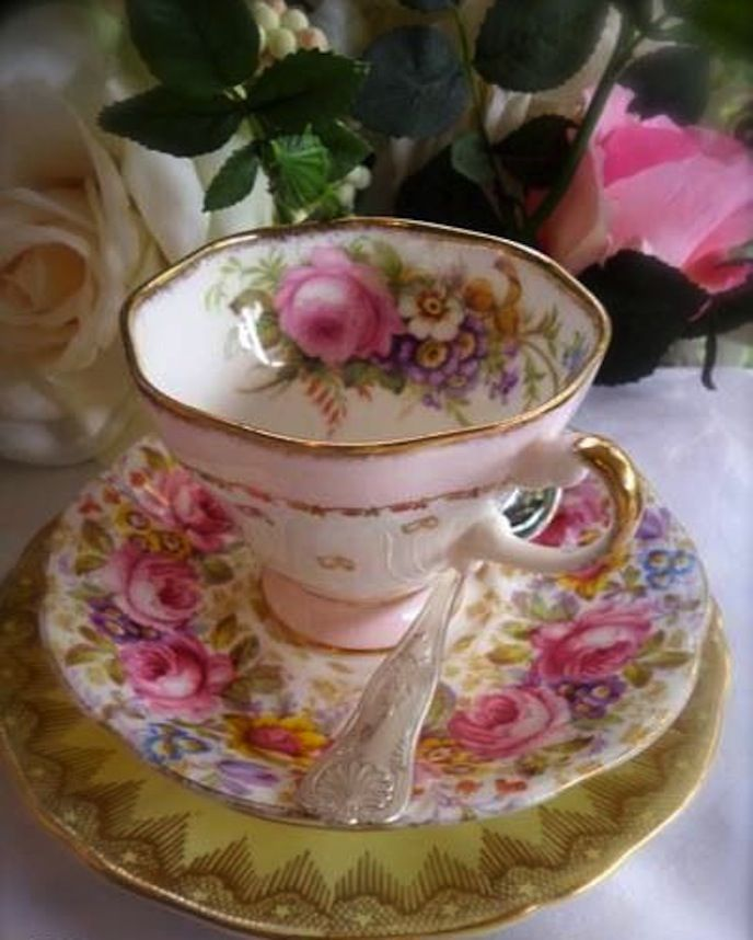 ❥Vintage Teacup & Saucer